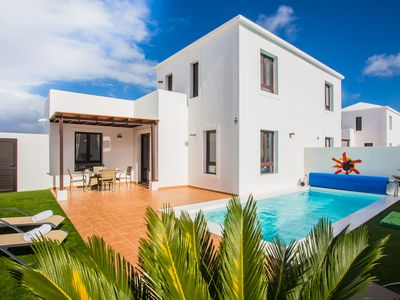Photo for Fabulous 2 Bed Villa with Private Heated Pool