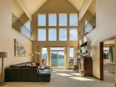 Photo for 5 Bedrooms | 4.5 Bathrooms | House in Sandpoint