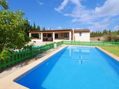 Photo for Holiday house, rustic, with pool and air conditioning, good facilities, internet