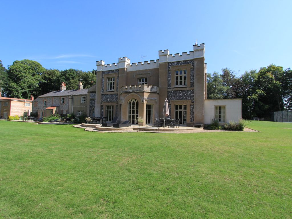 Eight bedroom main manor and a separate four bedroom gatehouse - Eight Bedroom Main Manor And A Separate Four Bedroom Gatehouse 36