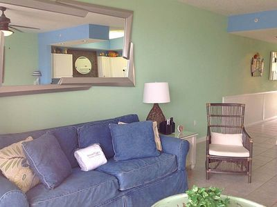 Photo for Nice Condo! Sleeps 6, Partial Gulf View, Lazy River, Kiddie Spray Park, & Other Amenities!
