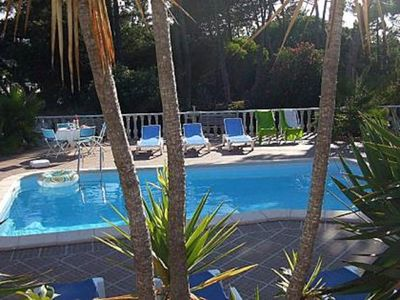 Photo for Holiday home with garden, private heated pool, in Praia das Maçãs
