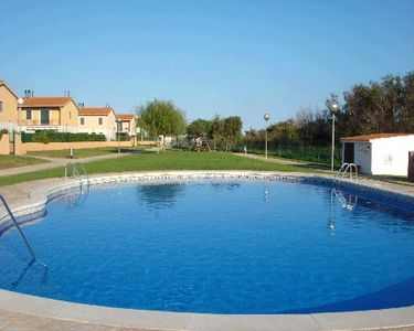 Photo for 3 bedroom Villa, sleeps 6 in l'Estartit with Pool and WiFi