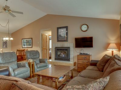 Photo for Cozy home w/ private hot tub, SHARC passes & entertainment!