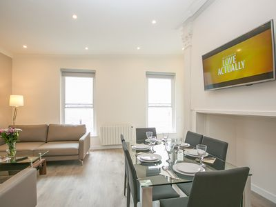 Photo for St Stephen's Green Superb 2 bedroom modern apartment  - sleeps 6