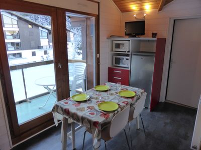 Stay in our cozy and bright apartment near the pistes!