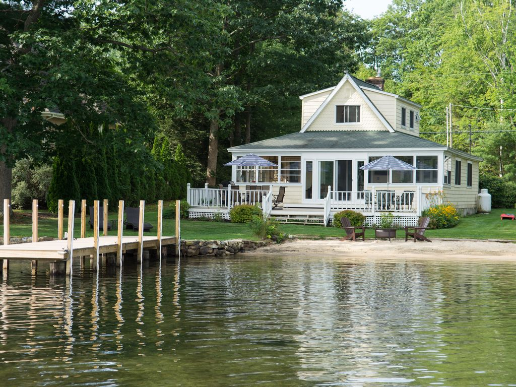 Lakefront House On Lake Winnipesaukee With Vrbo