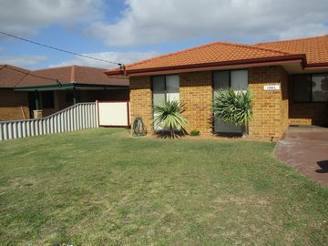 Search 165 holiday rentals