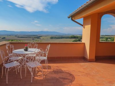 Photo for Apartment in terraced house with terrace and panoramic view, 5 persons