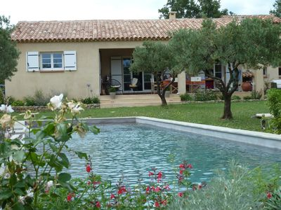 Photo for Elegant, spacious and sunny holiday home in Provence with heated pool