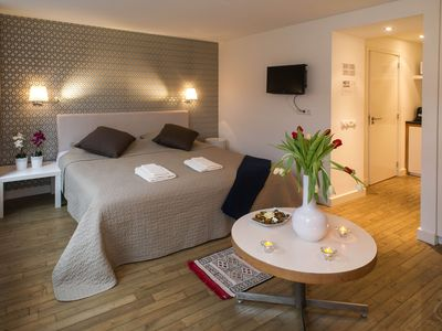 Photo for Stylish and contemporary studio apartment, for up to two people, in the trendy Jordaan area of Amste