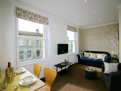 Photo for 2 Bedroom Apt. in Kensington & Chelsea, London Zone 1, Comfortable, Clean & Easy