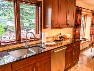 Photo for Cascade Village Area 5 bed 4 bath, Walk to lift!