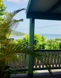 Cactus Flower Cottage - a Charming Quiet Retreat with Ocean View
