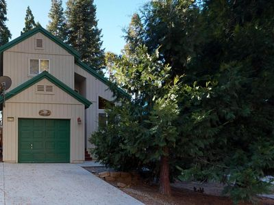 Photo for Warm, inviting home with quiet surroundings and modern amenities!