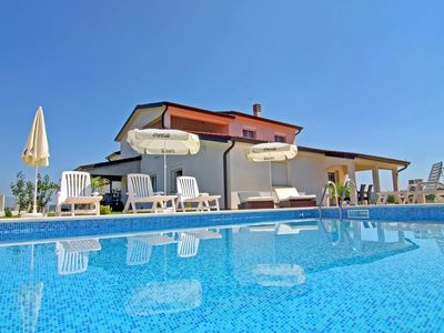 Photo for Apartment Denis in swimming pool villa Kastel 2 in a good location north Umag