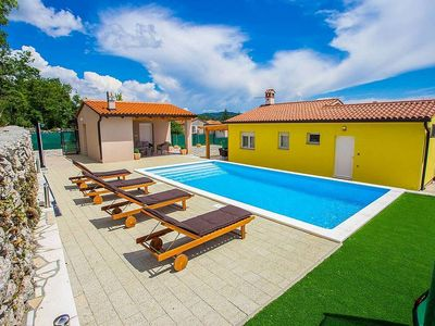 Photo for Detached ground floor villa in Labin with private pool, trampoline, beach 6 km