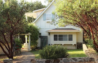 Photo for Bask in the beauty of San Diego's back country in this cozy cottage.