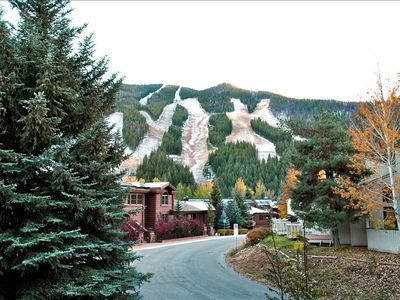 Photo for Walk to Lifts from Relaxing 3BR/3BA Warm Springs Skiview Condo