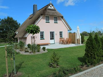 Cottage thatched roof, 4 bedrooms, fireplace, W-LAN - Ferienhaus 'Kranich'