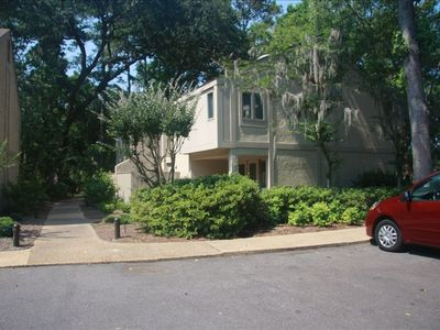 Photo for 3BR/3.5BA Plantation Club Villa /Sea Pines/Short Walk to Beach