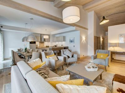 Photo for Carré Blanc 361 : 4 rooms with contemporary atmosphere