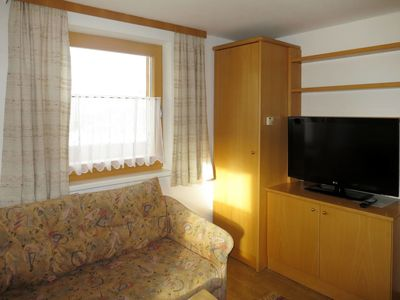 Photo for Nice apartment for 11 guests with WIFI, TV, pets allowed and parking