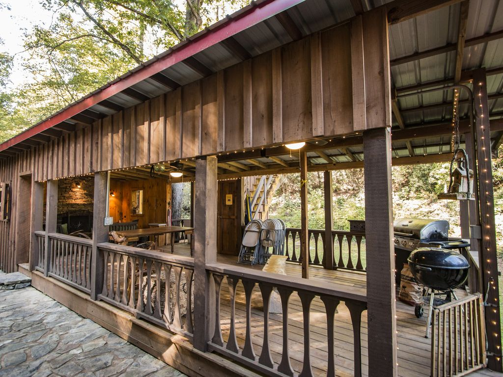Fontana lake cabin w private dock fishing pond huge for Smoky mountain cabins with fishing ponds