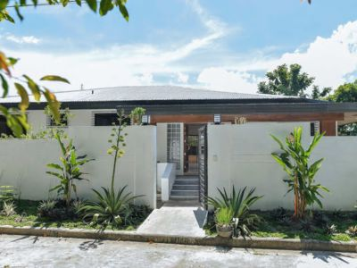 Photo for Newly Renovated Beautiful, Spacious Luxury Home, 4b/3b, (5,253 sq.ft.), Up to 12