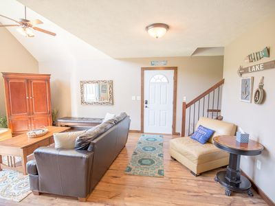 Cozy Okoboji Vacation Home At Bridges Bay Resort - backs to pool!