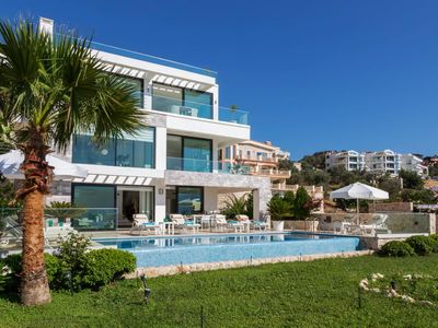 Photo for 4 bed ensuite villa - enviable sea and mountain views - table tennis - huge terrace