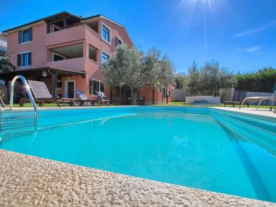 Photo for Apartment ALDO in Pula/Banjole - 4 persons, 1 bedrooms