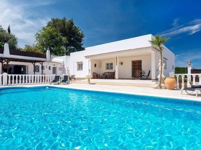 Photo for Dreamlike Villa near Ibiza Town with Wi-Fi, Air Conditioning, Garden and Pool