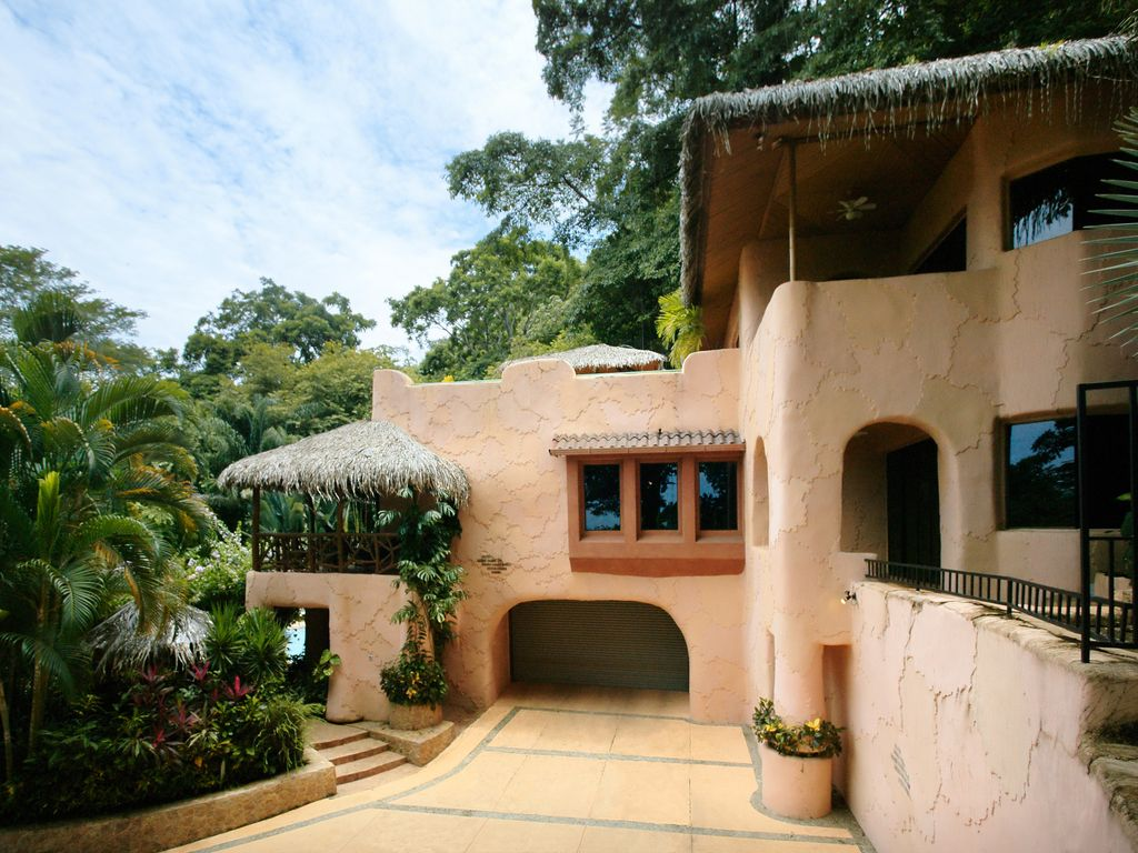 Villa Casa Bonita Has It All Walk To Beach Pool Jungle