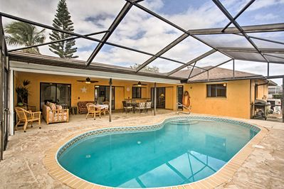 A 'Sunshine State' retreat awaits at this vacation rental house in Cape Coral.