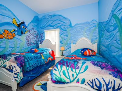 Finding Nemo and Dory!!  Kids twin bedroom!!  Just keep swimming!!!
