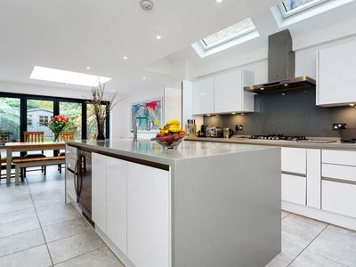 Photo for Bright four bedroom house in leafy Wandsworth (Veeve)