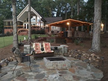 Private Lakefront Getaway Outddor Kitchen Fire Pit & More