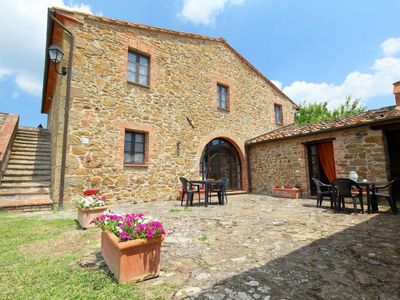 Photo for Apartment Archi in Monte San Savino - 2 persons, 1 bedrooms