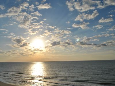 Photo for Direct Oceanfront 2 BR w/Pools, Wi-Fi,Restaurant/Bar,Hot Tub,Gym,Tennis Courts