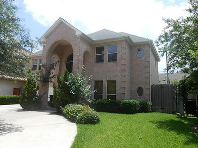 Photo for Galleria -- 5BR/ 4BA Home -- 2 Blocks From Galleria Mall.