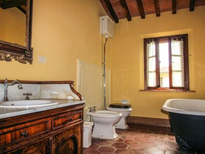 Photo for Vacation home Casa nel borgo in Pontedera - 5 persons, 2 bedrooms