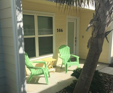 Photo for NEW LISTING! Gorgeous Getaway - 4 Bed / 3.5 Bath - Sleeps up to 10 people!