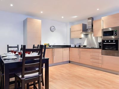 Photo for Apartment in London with Lift, Internet, Washing machine (292735)