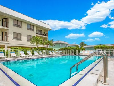 Photo for The Anna Maria Island Beach View 207-Private Beach Access-Heated Pool-Twelve Restaurants With In A Few Minutes Walk