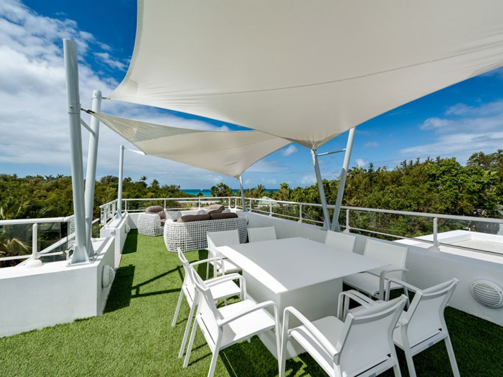 GRAND PALMS...Irma Survivor! Save 15% on this modern 2 BR villa w/ full AC, just steps from Plum Baie Beach!