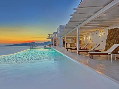 Photo for Villa with Luxury Private Pool