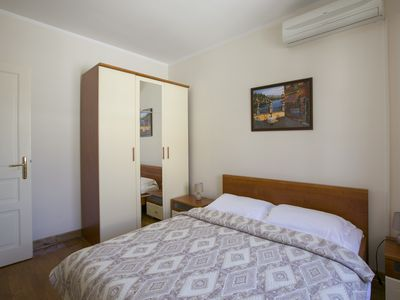 Montesan B1  Apartment with terrace and sea view