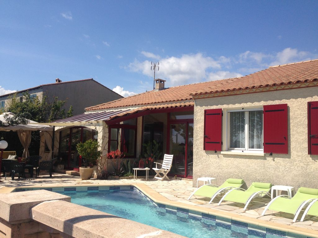 pleasant villa well located with comfortable pool