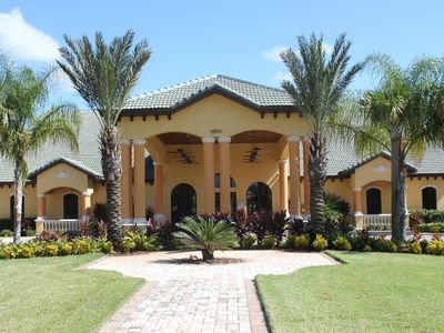 Photo for Exquisite 4-bedroom Disney vacation home in remarkable Paradise Palms Resort!